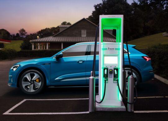electric-charging-audi-e-tron-hevcars-5